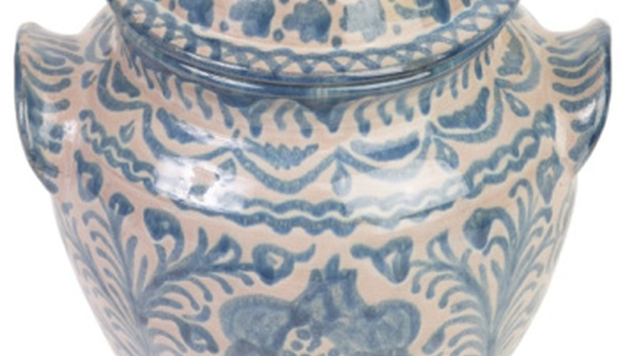 Ming porcelain is beautiful.
