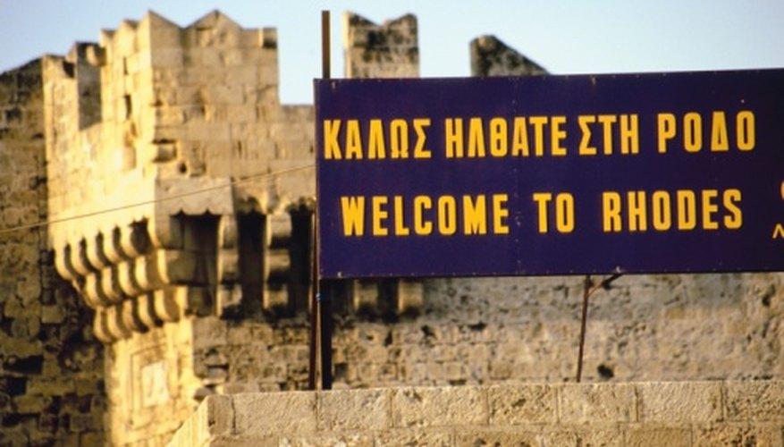 Las señales bilingües pueden ser una oportunidad de primera clase para practicar tu griego.