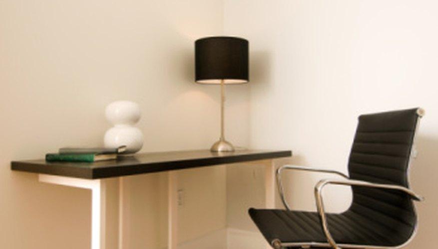 La lámpara adecuada puede cambiar la sensación de tu oficina.