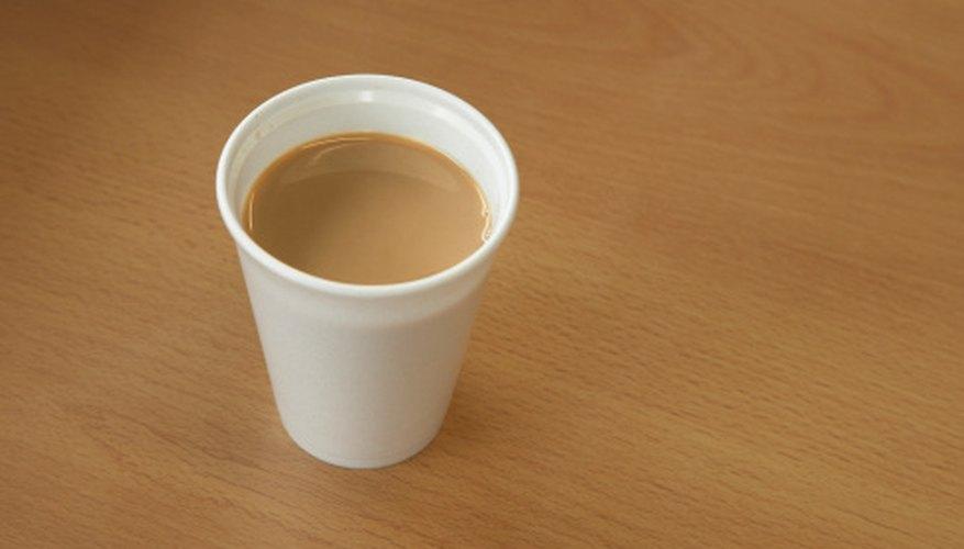 El café se vende con frecuencia en vasos de espuma de poliestireno.