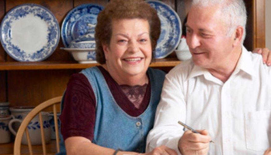 Algunos jubilados convierten una afición en un negocio rentable.