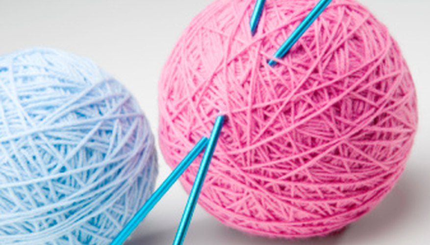 Use string or yarn to create a dimensional ball for sewing projects.