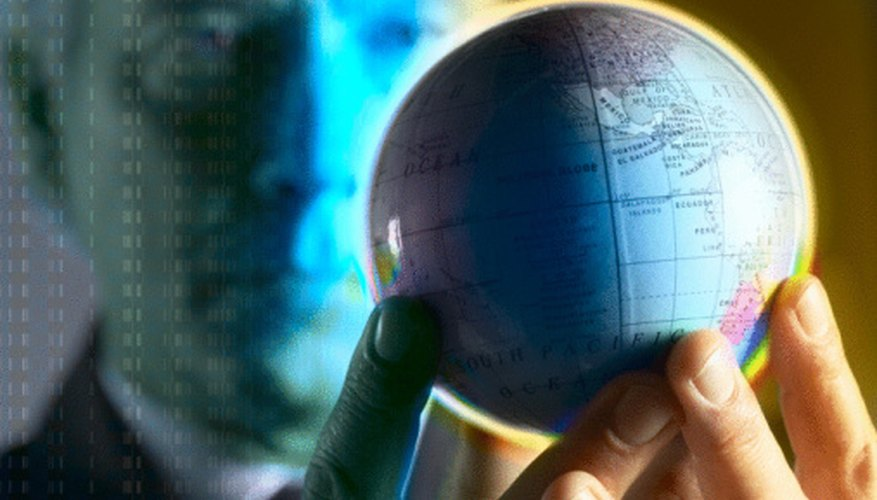 Las políticas de comercio liberales facilitan la globalización.
