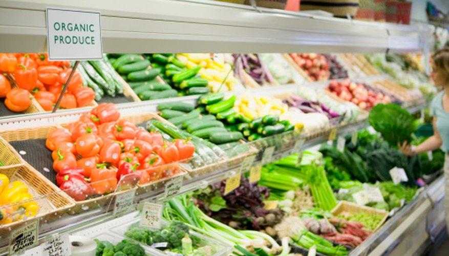 Los canales de comercialización son un puente entre los productores y los consumidores.