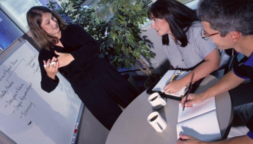 La administración del proyecto implica establecer metas de proyecto específicas.