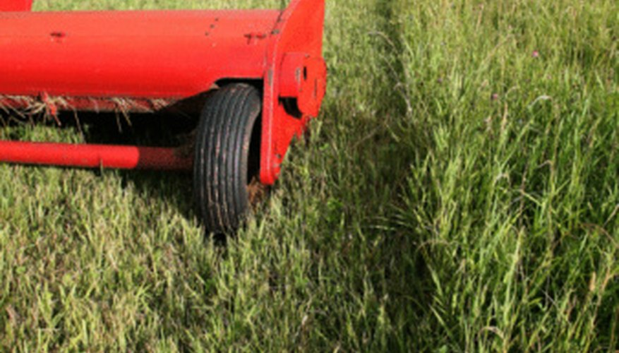 Push reel mowers are quieter and less polluting.