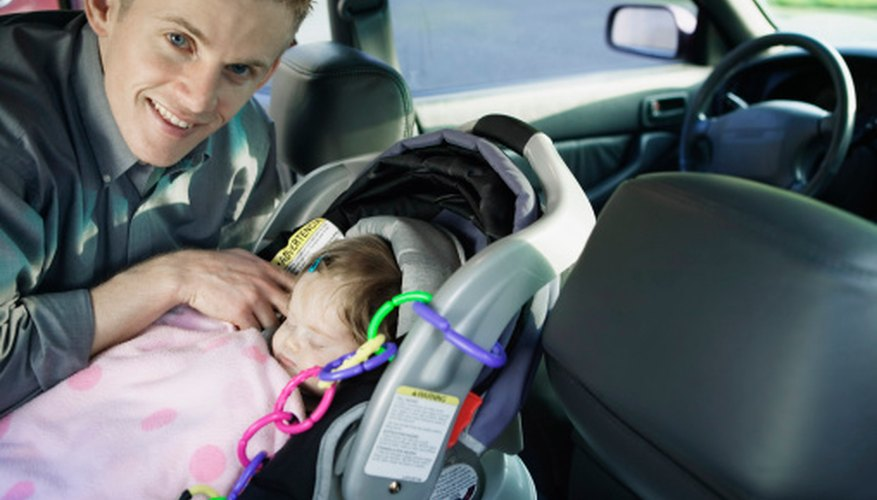 Britax Roundabout Car Seats Offer Many Features That Make Them Attractive Choices For New Parents They Are Convertible Which Means Can Be Used In A