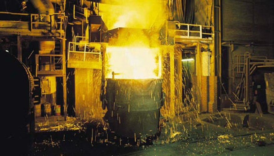 Light insulating fire bricks can be used to line this furnace.