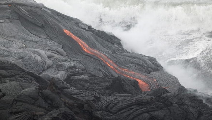 Hawaii's Kilauea volcano is an example of an inter-oceanic hotspot volcano.