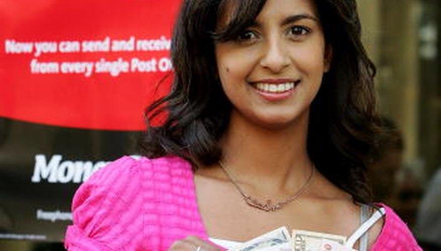 Envía dinero desde tu cuenta de Paypal a tus familiares y amigos a través de MoneyGram.