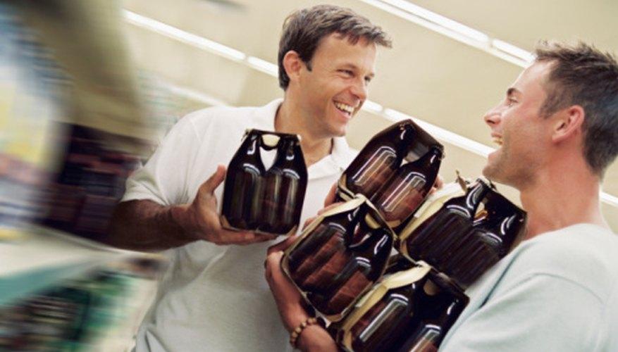 Los clientes felices llevan a un incremento en las ventas de licor.