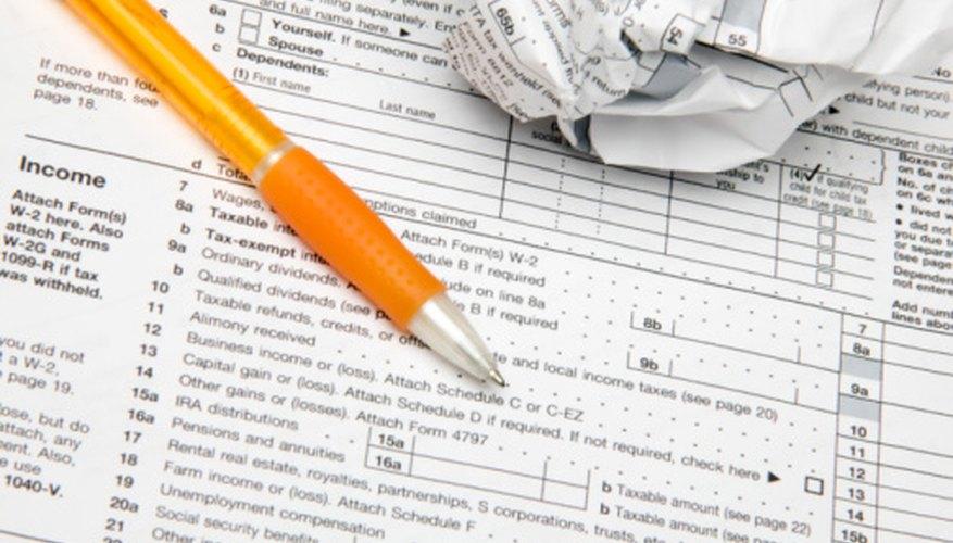 Se hacen referencias cruzadas entre los 1099 y los formularios de impuestos a las gananacias, para cobrar los impuestos indicados.