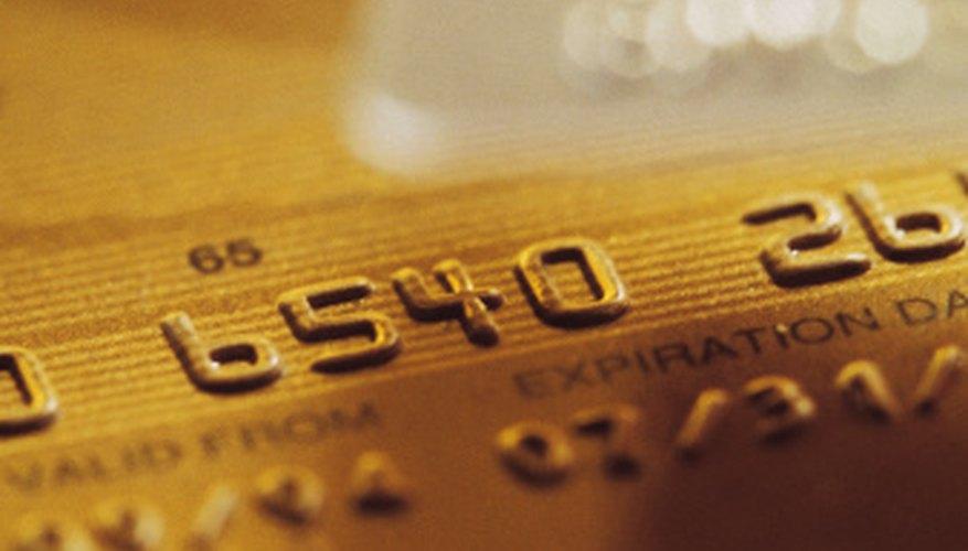 Los menores de edad mayores de 12 años pueden tener tarjetas de débito con el consentimiento de los padres.