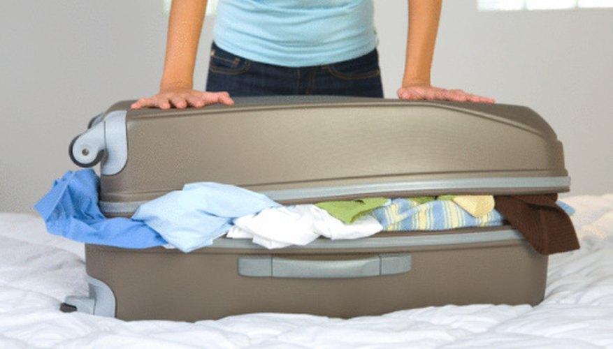 Revisa las restricciones de viaje de tu vuelo antes de empacar tu maleta.