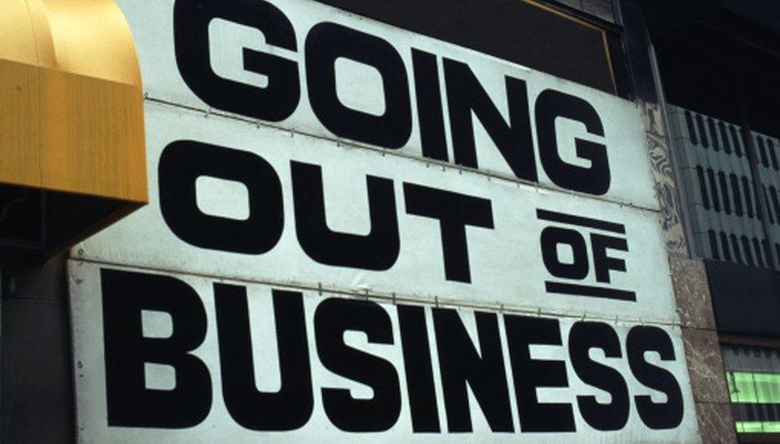 Las tiendas en bancarrota suelen vender sus mercancías con grandes descuentos, especialmente cerca de la fecha final de quiebra.