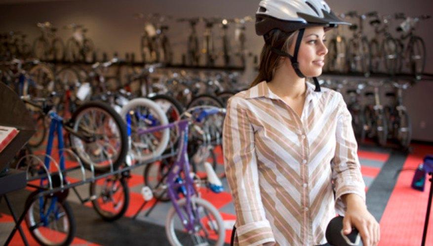 Sortear una bicicleta durante un evento puede ser parte de tus gastos por promociones, mientras ganas exposición para tu tienda de deportes.