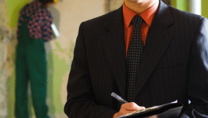 Los inspectores QA aseguran que los resultados de un proyecto cumpla los estándares de calidad.