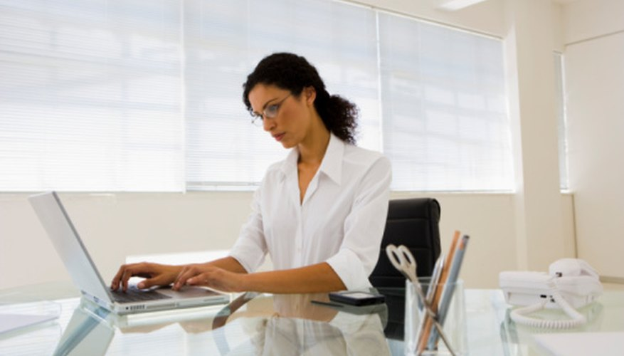 El salario puede influir positivamente en la satisfacción y desempeño laboral.