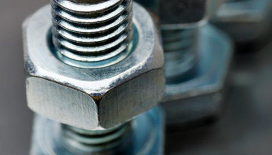 Los pernos de carros y tornillos de máquina se hacen a menudo de acero 1040.