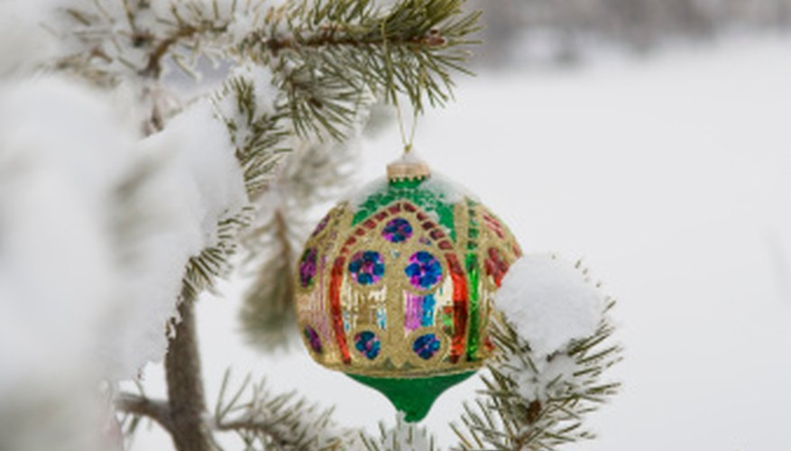 Baubles like this can easily double as Arabian decorations.