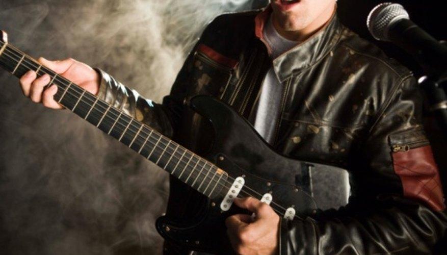 Inicialmente el rock and roll fue influenciado por las tendencias culturales, influyéndolas a su vez más tarde.