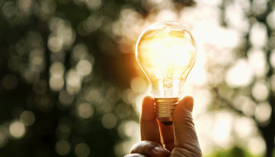 The invention of the light bulb to famed american inventor thomas edison in 1880 but some 40 years before that british inventors created an arc lamp