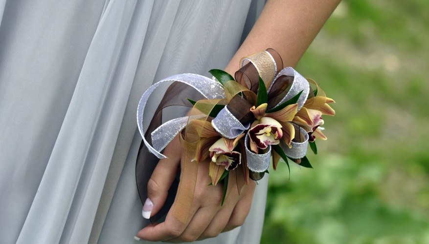 How to Keep Corsages Fresh