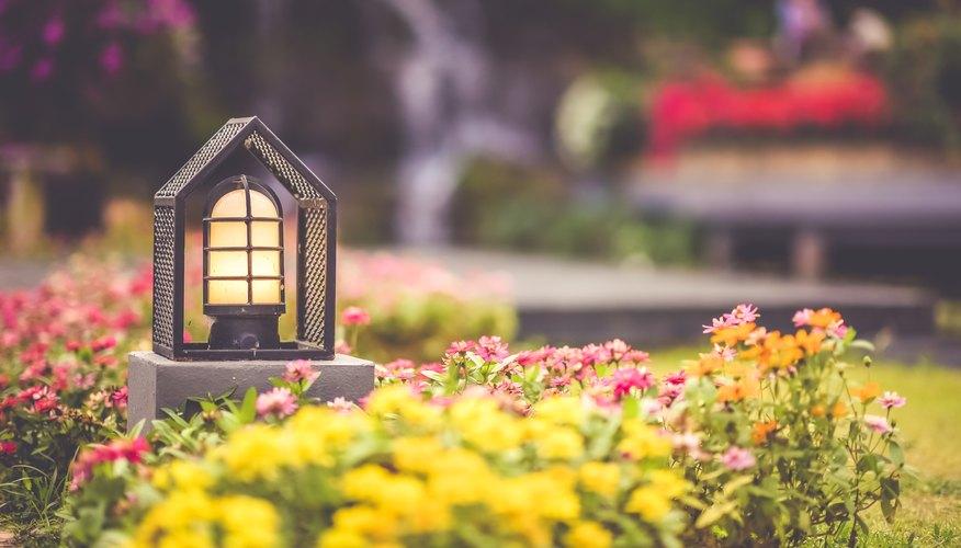 Home Lightpost Landscaping Ideas