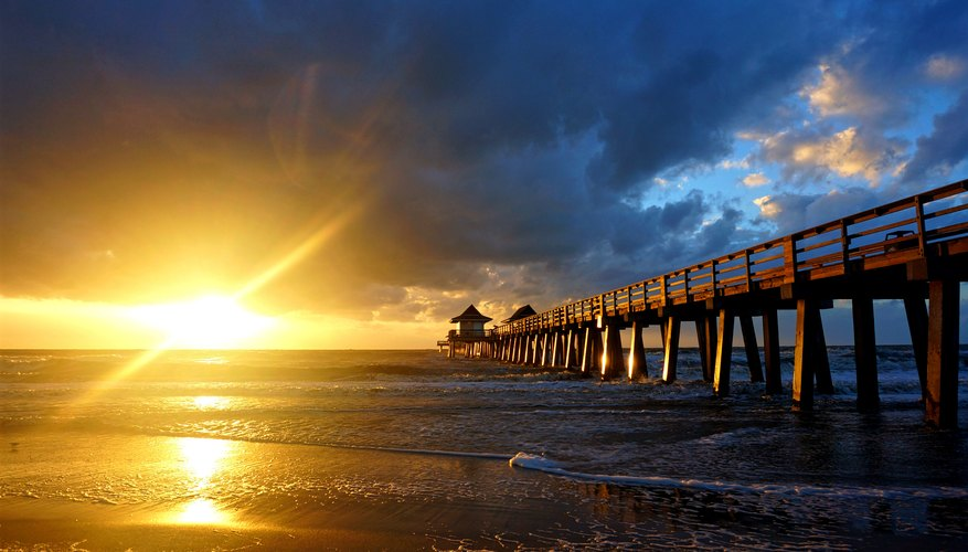 Best Time to View Sunsets in Naples