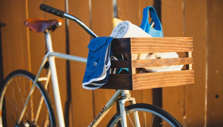 El cesto terminado en una bicicleta lista para disfrutar el verano.
