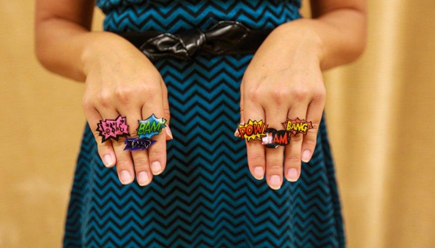 Estos anillos Dinky Ring son divertidos para cualquier edad.