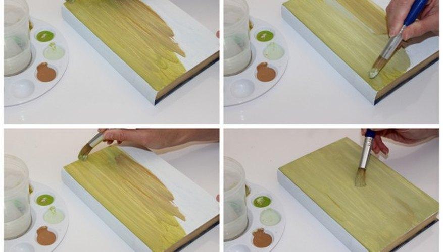 Las rayas oscuras y claras le añaden textura a tu libro. ¡Diviértete pintándolo!