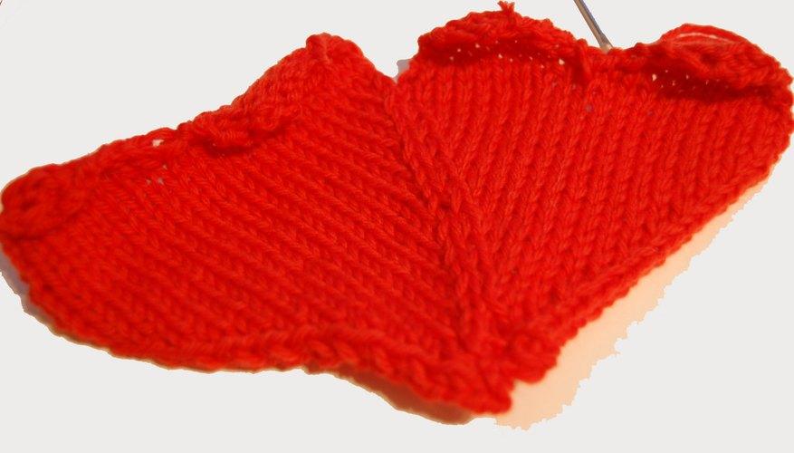 Cose los dos corazones juntos.