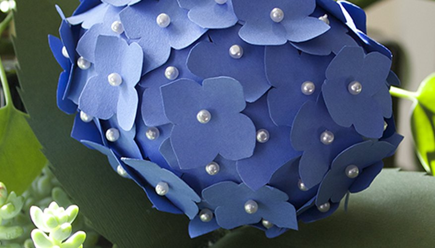 How to make paper hydrangea flowers our pastimes whether for the bedside table or a wedding bouquet paper flowers are a fun alternative to the fresh cut variety they require no water or sun mightylinksfo