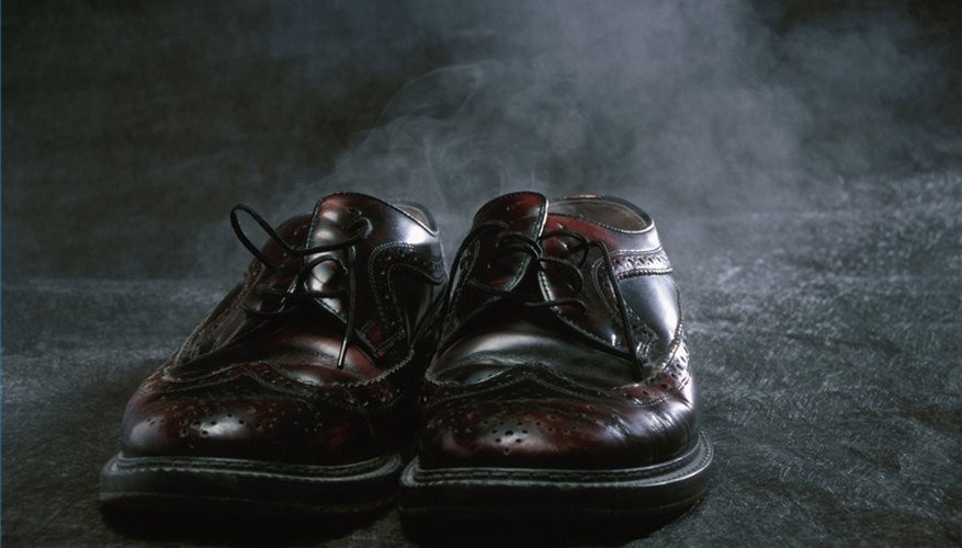 How to clean cat urine from leather shoes