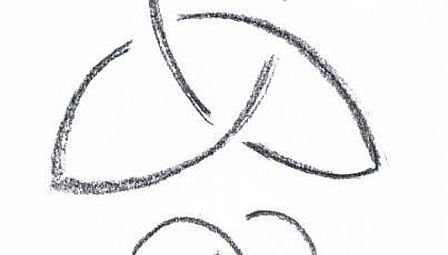 Triangle Knot and Curly Swash by Calligraphic Cross and Skip Method