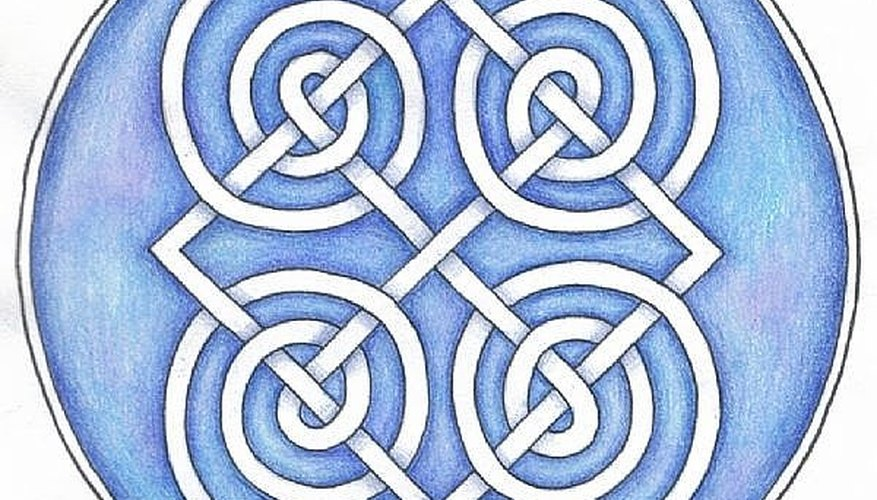 Fancy knotwork roundel design, expert level, not the project but feel free to copy it!