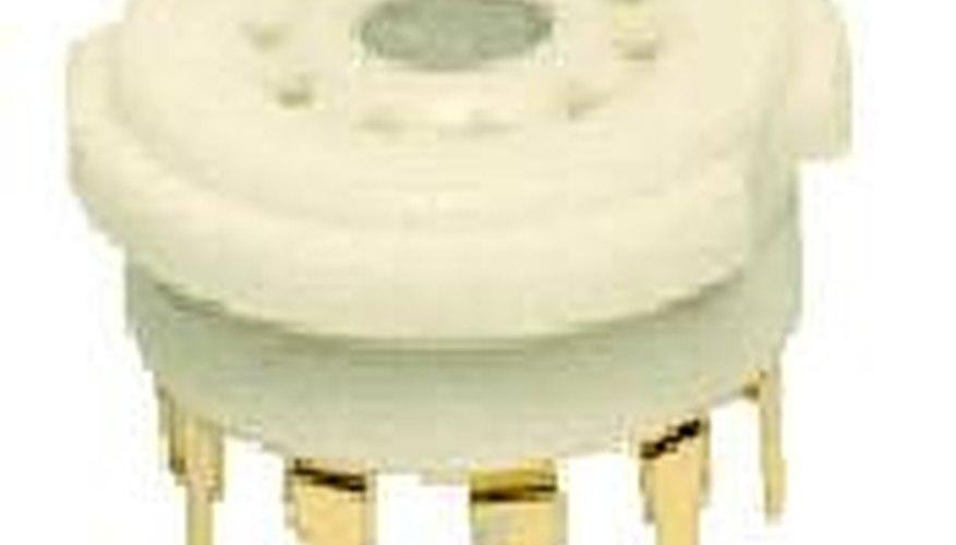 Vacuum tube socket
