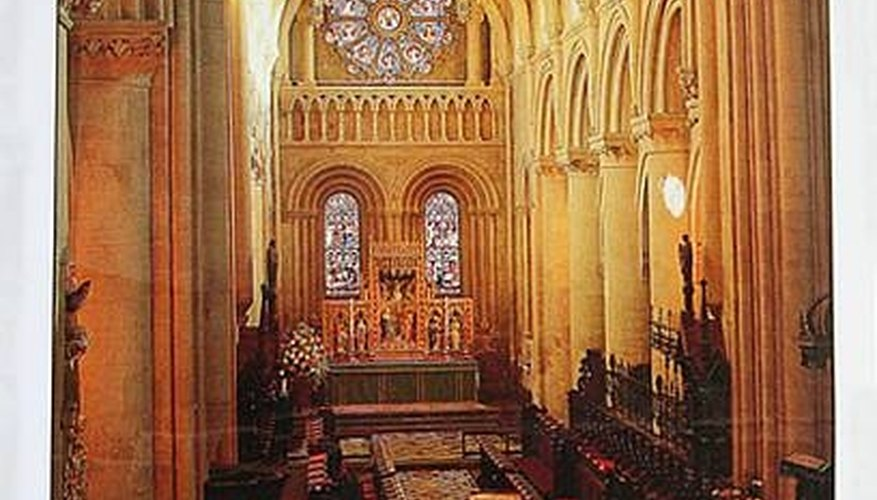 A postcard from Oxford, England shows the inside of the Christ Church Cathedral chancel.