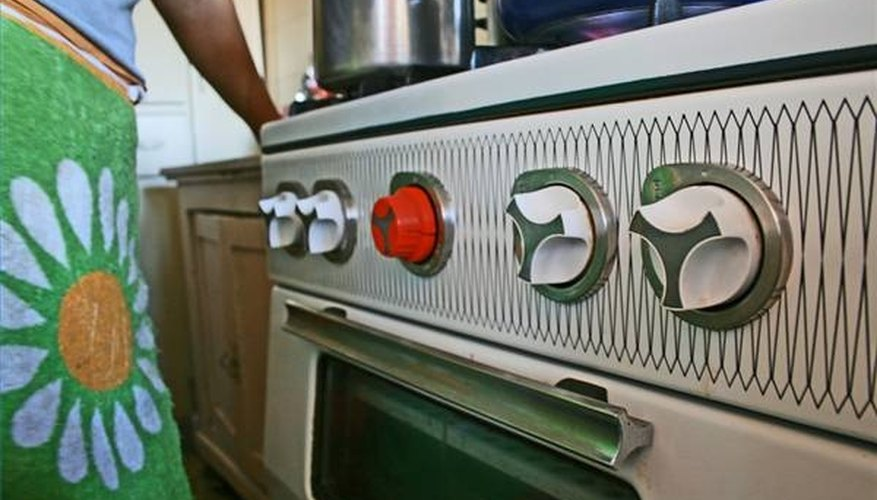 Knobs on a 1970s gas-burning stove