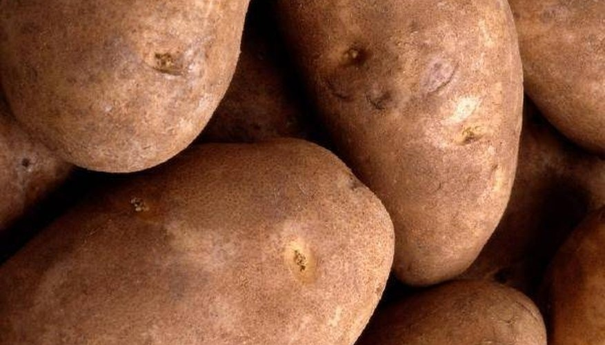 Raw potatos assist in relieving pain by speeding the recovery time (Home-Remedy-For-You)