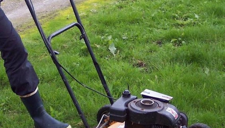 Do it yourself lawn care garden guides do it yourself lawn care by joyce starr old lawn mower solutioingenieria Gallery