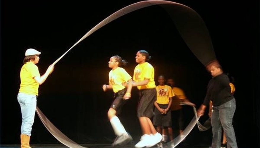 Double Dutch jumpers in competition. (photo by FORCV.com)