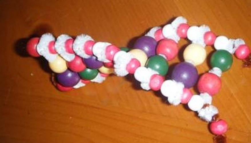how to make dna with pipe cleaners  u0026 pony beads