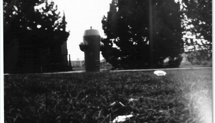 Photo of a hydrant taken with a pinhole camera, Matthew Clemente: Commons.Wikimedia.org