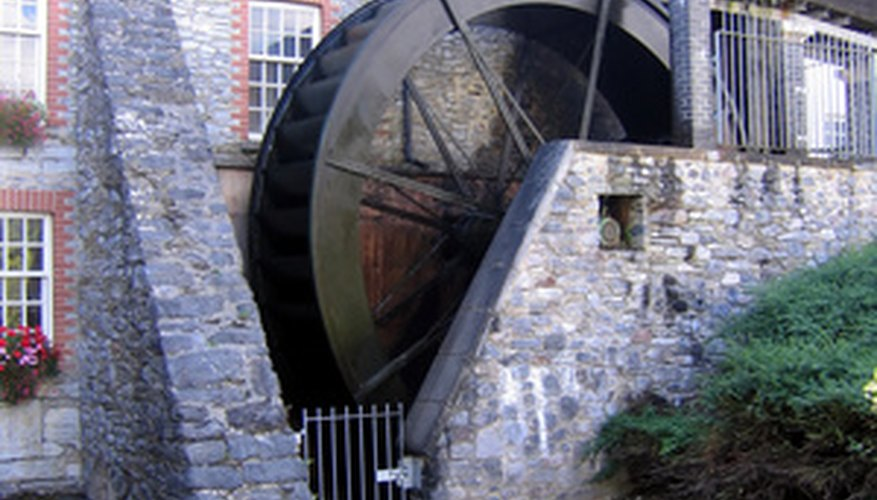 Water wheel projects teach children about history.