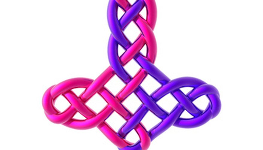 Make simple Celtic knots with wire.