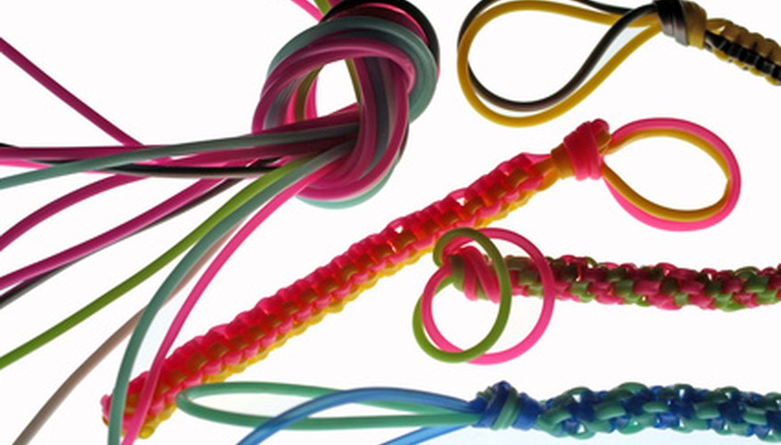 The chinese staircase stitch is one of the easiest lanyard making stitches to learn.
