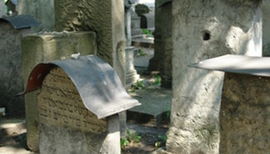 Spouses can plan to leave half of their community property upon death.