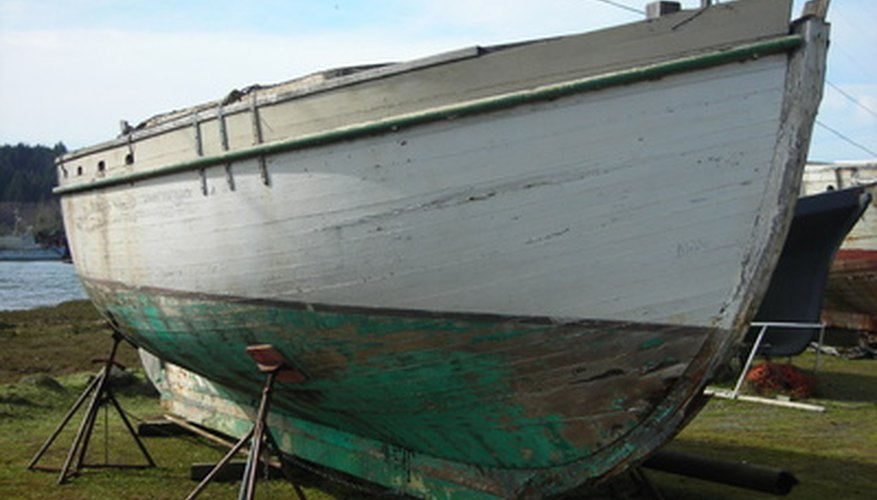 Hull insurance covers more than the hull. Sails, motors and masts may also be included.